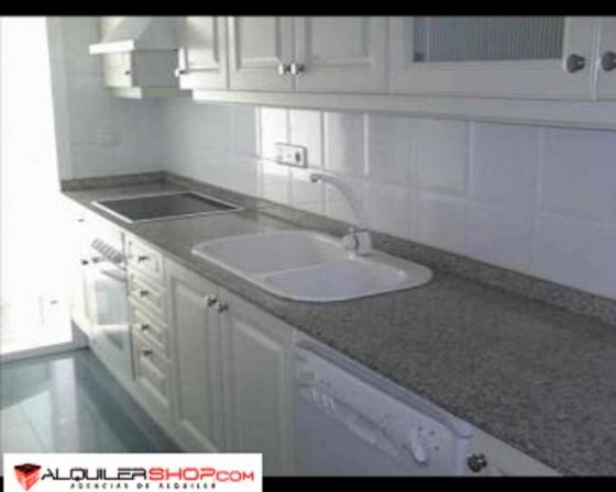 Inmobiliaria en barcelona p for Piso 600 euros barcelona